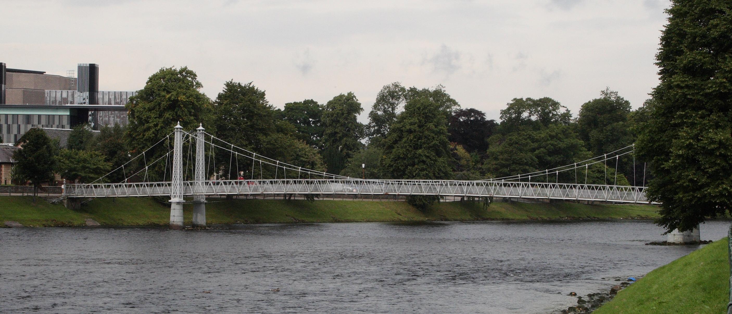 Hängebrücke über den River Ness