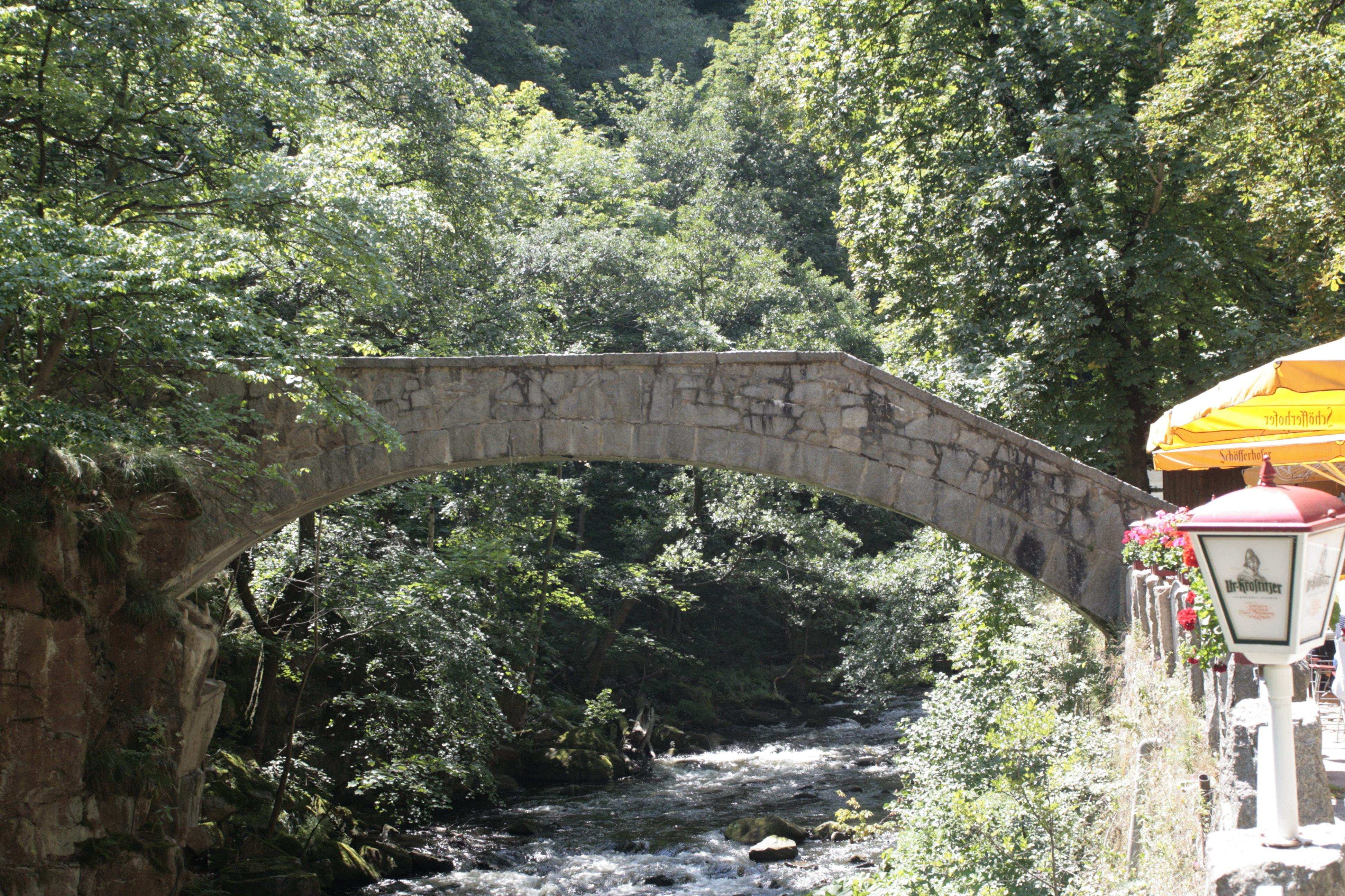 Die Jundfernbrücke